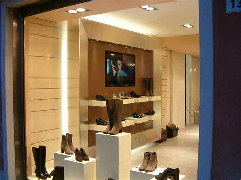 arredamento negozio calzature casa moderna roma italy arredamento negozi scarpe