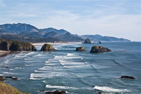 file oregon coastline near cannon beach jpg wikimedia