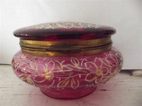 Kalung Boho Segitiga Ruby 35 Ct bohemian cranberry glass container from here to ruby