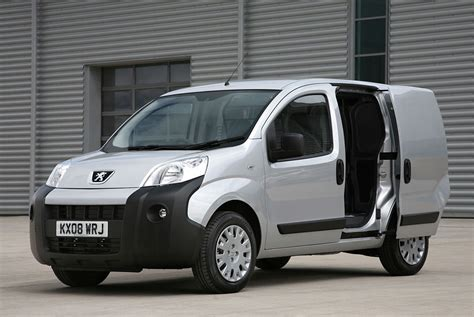 peugeot van peugeot bipper van is awarded fleet world s best van of