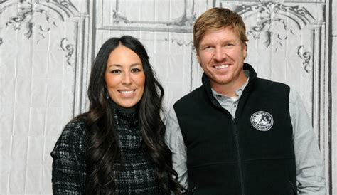 chip and joanna gaines joanna gaines admits chip left their young son home alone
