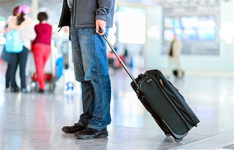 come preparare e cosa mettere nel bagaglio a mano momondo