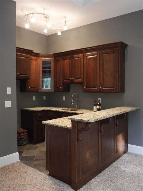 Basement Kitchen Cabinets by 1000 Ideas About Small Basement Kitchen On Pinterest