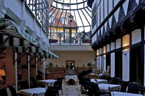 wernigerode gothisches haus quot restaurant auf einer ehemaligen strasse quot hotel travel