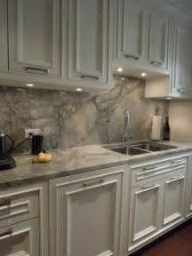 Kitchen Countertop Cabinets 25 Best Ideas About Granite Backsplash On
