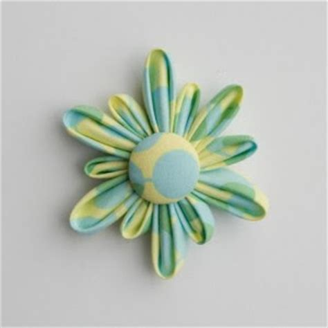 free patterns and instruction on making flower hair clips 10 best fabric flower tutorials free patterns tip junkie