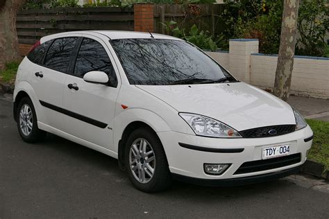 Ford Focus by Ford Focus Wolna Encyklopedia