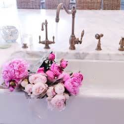 instagram pinkpeonies bungalow blue interiors home instagram inspiration rachel parcell of pink peonies