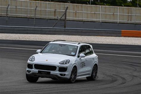 porsche driving academy porsche media driving academy 2016 every small step