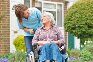 3 advantages of elderly home care family tree in home care