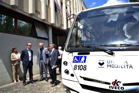 al via le procedure di mobilita si inizia lunedi 11 umbria mobilit 224 presentati a perugia i nuovi autobus