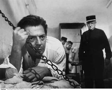 Seni Politik Pemberontakan Albert Camus albert camus autor des existentialisten romans 171 l 233 tranger 187 kam vor 100 jahren zur welt
