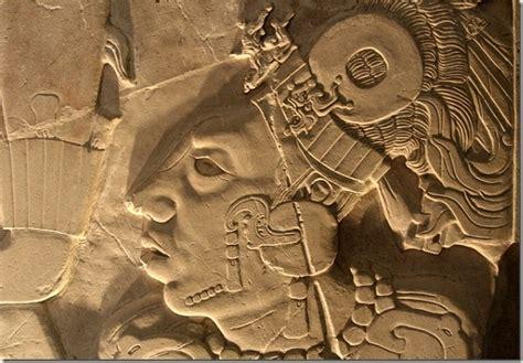 imagenes de grabados mayas pakal el astronauta de palenque las gafas de roddy