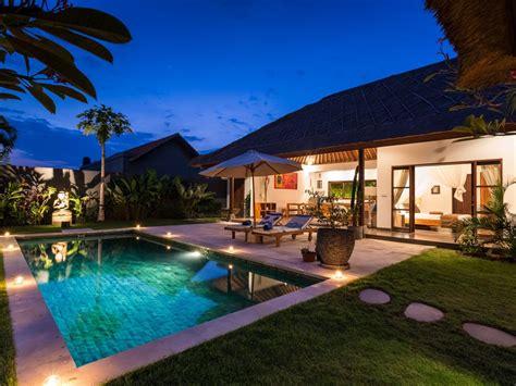 une villa balinaise moderne idealement situee entre