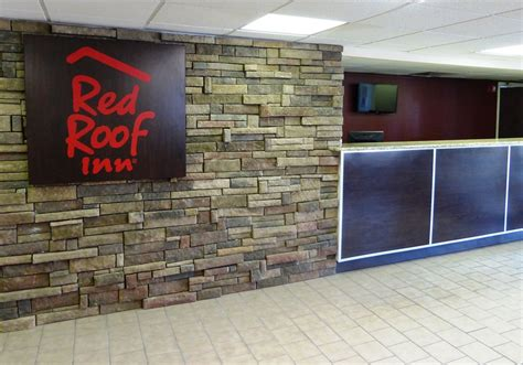 red roof inn fayetteville pet policy