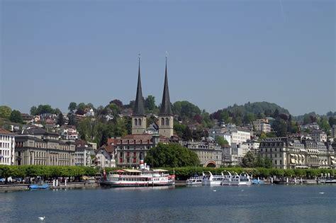 lavorare in una svizzera lavorare in svizzera italiana consigli e soluzioni per