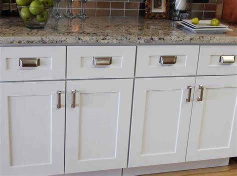 white shaker kitchen cabinet doors deductour