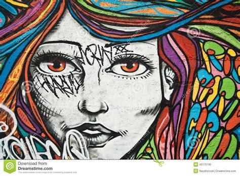 imagenes arte urbana arte urbana cara da mulher imagem editorial imagem