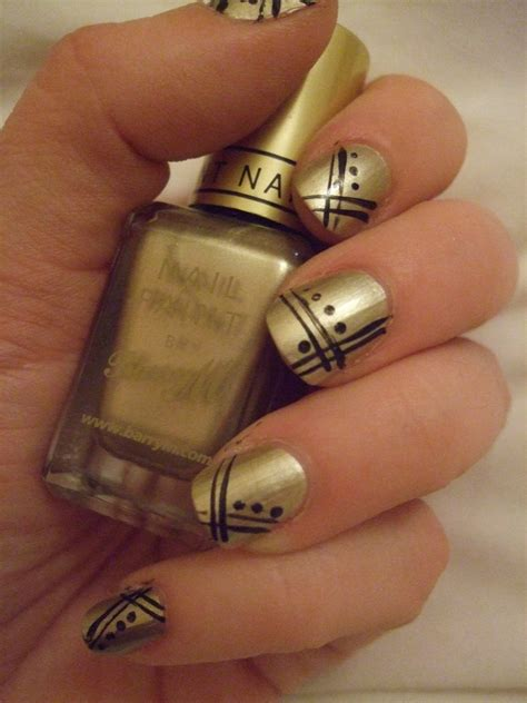 easy nail art gold oooooh pretty gold art deco nails