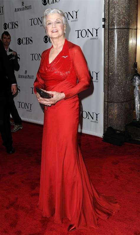 maggie smith makes a rare red carpet appearance picture twit wit the conical glass