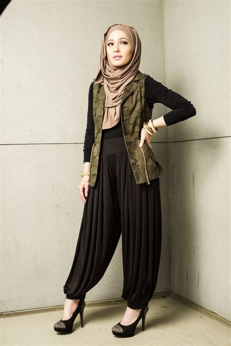pant styling ideas with and abaya