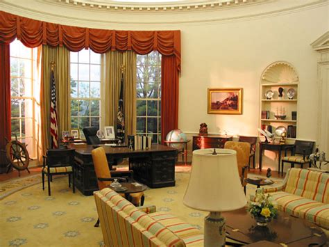 oval office decor by president ford oval office the white house pinterest oval