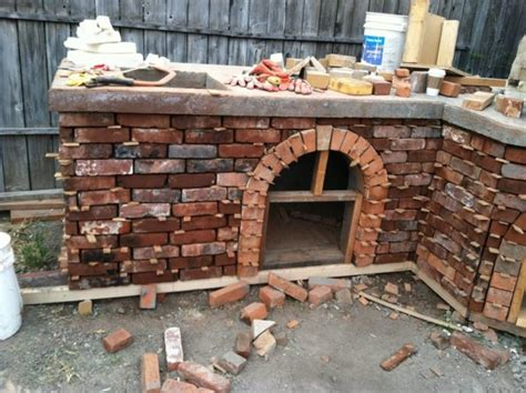 13 Bricks Backyard Barbecue That You Could Build For The Backyard Brick Grill