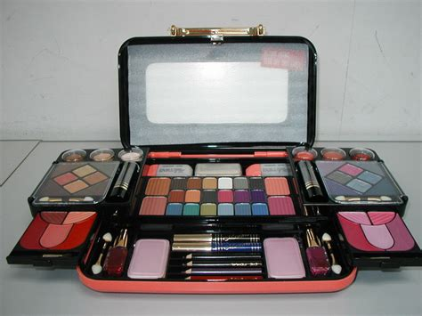 Make Up Kit Viva products fuso cosmetic