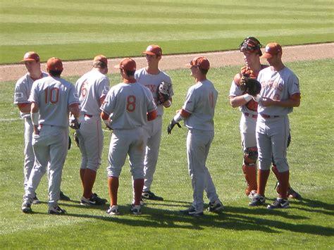 baseball teams file longhorns baseball team at texas at stanford 2009 03