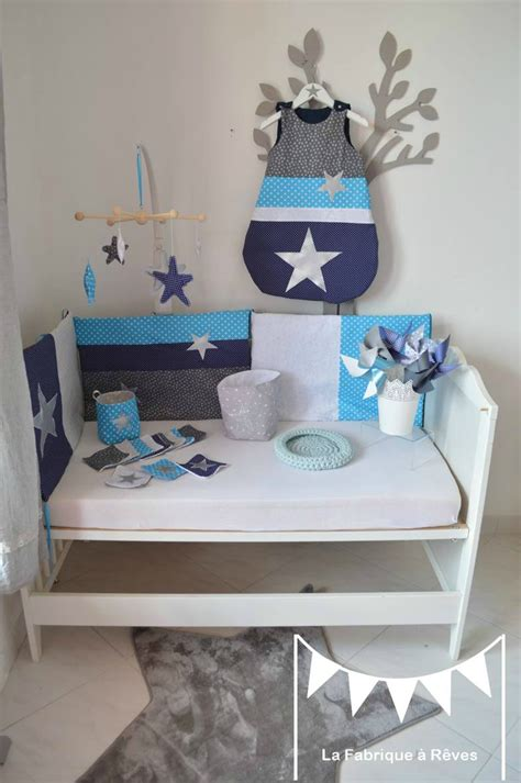 décoration chambre bébé garçon chambre bleu marine et gris
