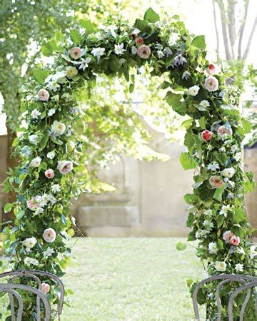 Wedding Arch Flowers by Memorable Wedding Decorating Arches For A Wedding