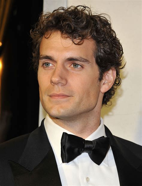 good hair styles for men with defined jaw henry cavill photos photos tom ford cocktails in support