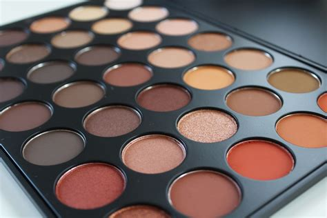 Morphe 35o Eyeshadow Palette review swatches morphe brushes 35o eyeshadow palette