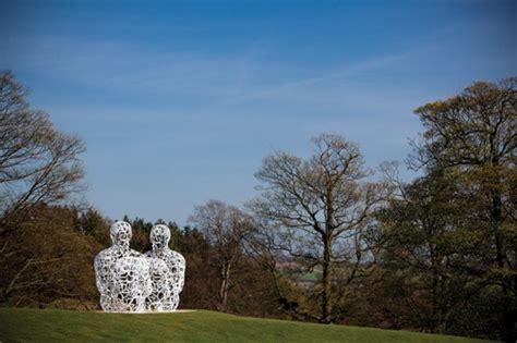 artist jaume plensa wows visitors  massive