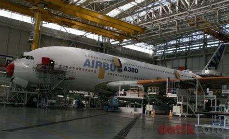 Pesawat Garuda Indonesia A380 Jumbo Baterai Limited garuda militer kisah industri pesawat terbang indonesia
