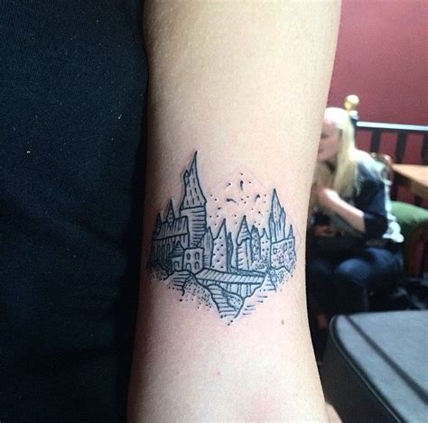 hogwarts tattoo 1000 ideas about small white tattoos on