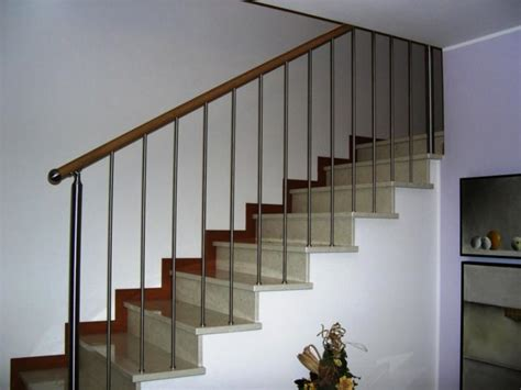 corrimano scale corrimano scale in legno parapetto in acciaio e legno per