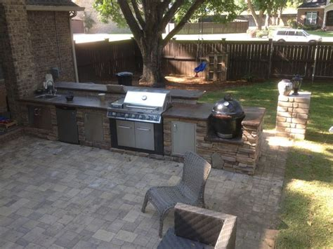 outdoor kitchen with concrete countertop projects
