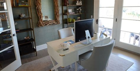 how to make a smaller room look bigger with paint paints