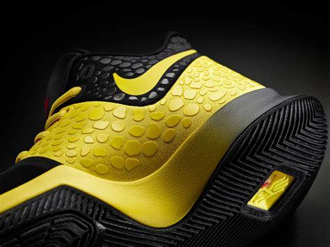 Sepatu Basket Nike Lebron 15 On Court Maroon White Merah Marun Putih release details and price for the nike kyrie 3 mamba