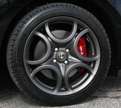 costo volante f1 giulietta cerchi in lega verniciati neri o bruniti