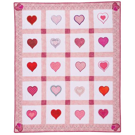 quilt pattern with hearts fall in love with easy automatic applique this free quilt