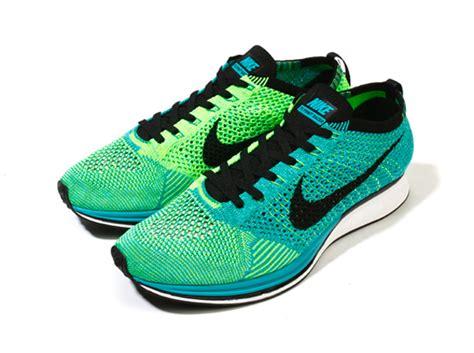 Sepatu Nike Fleknit Racer Cowok nike flyknit racer summer 2014 releases sneakernews