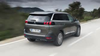 Peugeot 5008 Reviews Peugeot 5008 2017 Review By Car Magazine