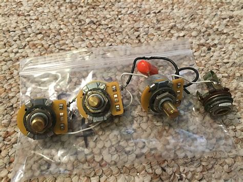 fender jazz bass controls cts pots potentiometers volume tone reverb