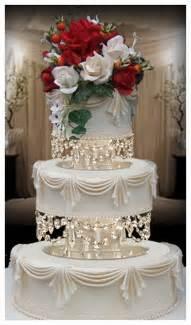 Cupcake Pedestal Wedding Cake Stands Plates Crystal Chandelier Wedding Cake