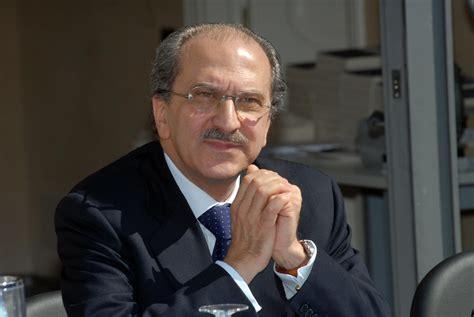 fondazione banco di sicilia unicredit parla puglisi quot squadra vincente non si tocca