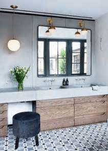 Modern Gray Bathroom - tendance sol salle de bain carreaux de ciment frenchyfancy 5 frenchy fancy