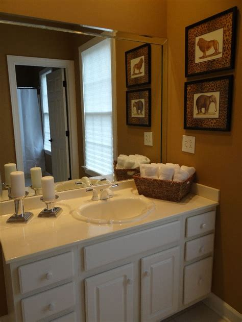 25 best ideas about bathroom staging on
