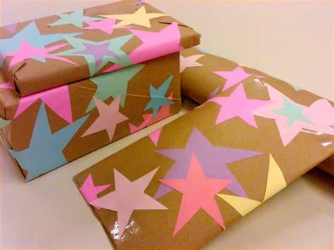 Make Wrapping Paper - personalize your wrapping paper with these 25 diy designs